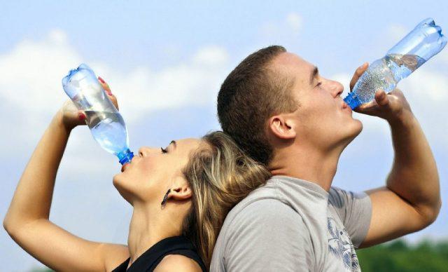 De ce este atat de importanta hidratarea corpului?